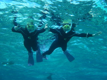 沖縄で冬にシュノーケルするときの寒さ対策ノウハウ!実体験とポイントまとめ(1月・2月の真冬にも体験)